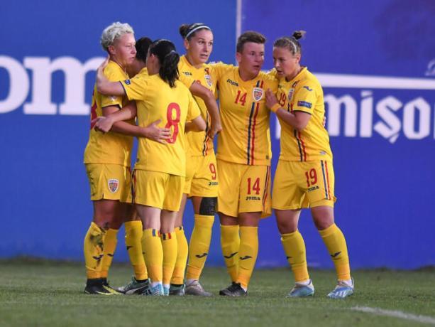 Cine spune că fetele nu pot juca fotbal. Sursă foto: gsp.ro