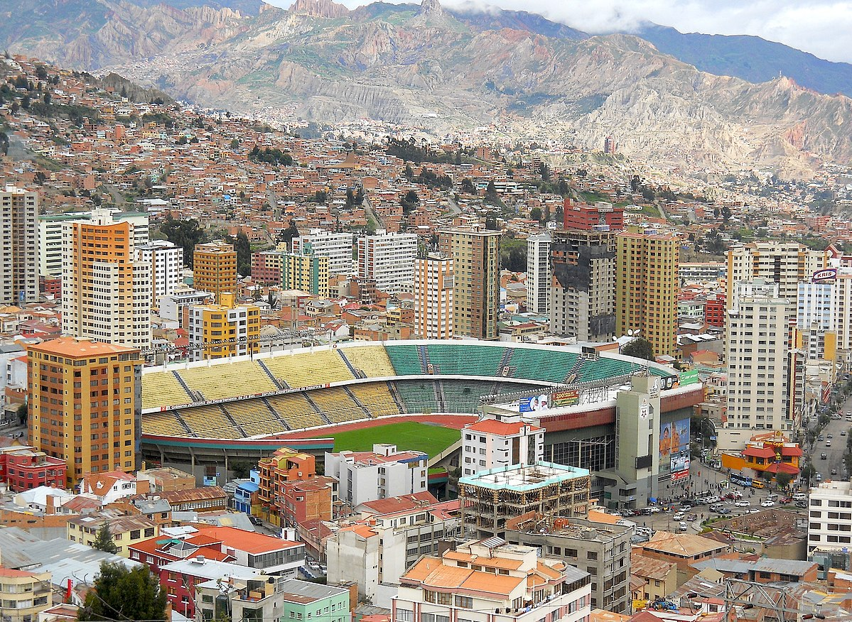 1200px-Hernando_Siles_Stadium_-_La_Paz