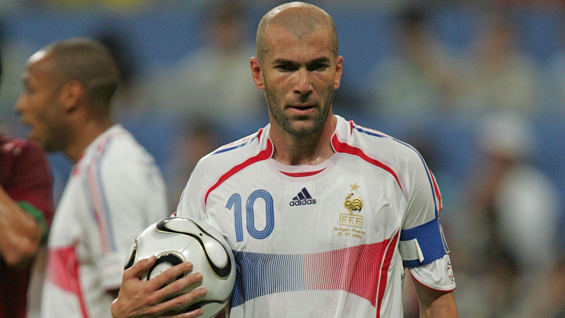 Zinedine Zidane în naționala Franței. Sursă foto: goal.com