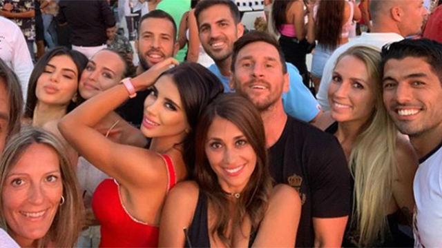 De ce fotbaliștii își petrec vacanțele în Ibiza. Sursă foto: goal.com