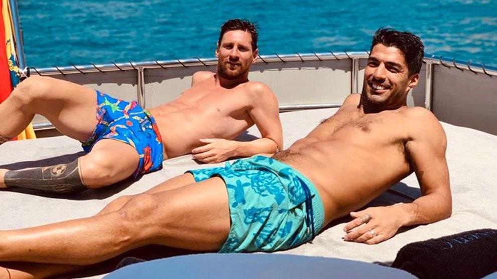 Luis Suarez și Lionel Messi în vacanță la Ibiza. Sursă foto: Facebook
