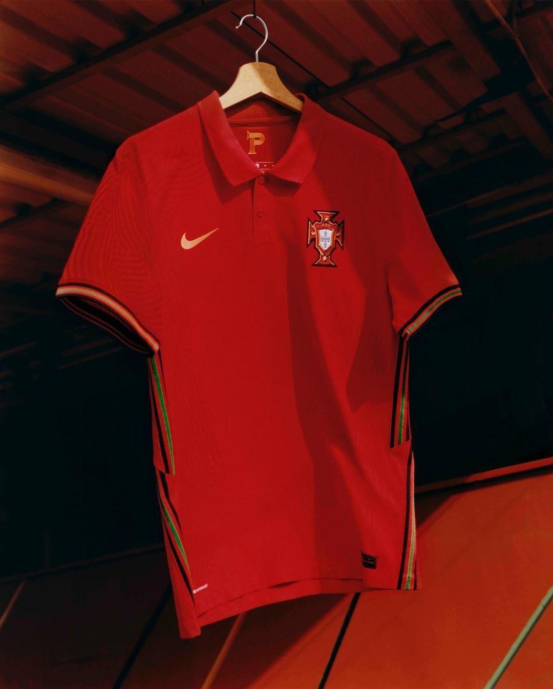 Echipamentul de pe teren propriu al Portugaliei. Sursă foto: nike.com