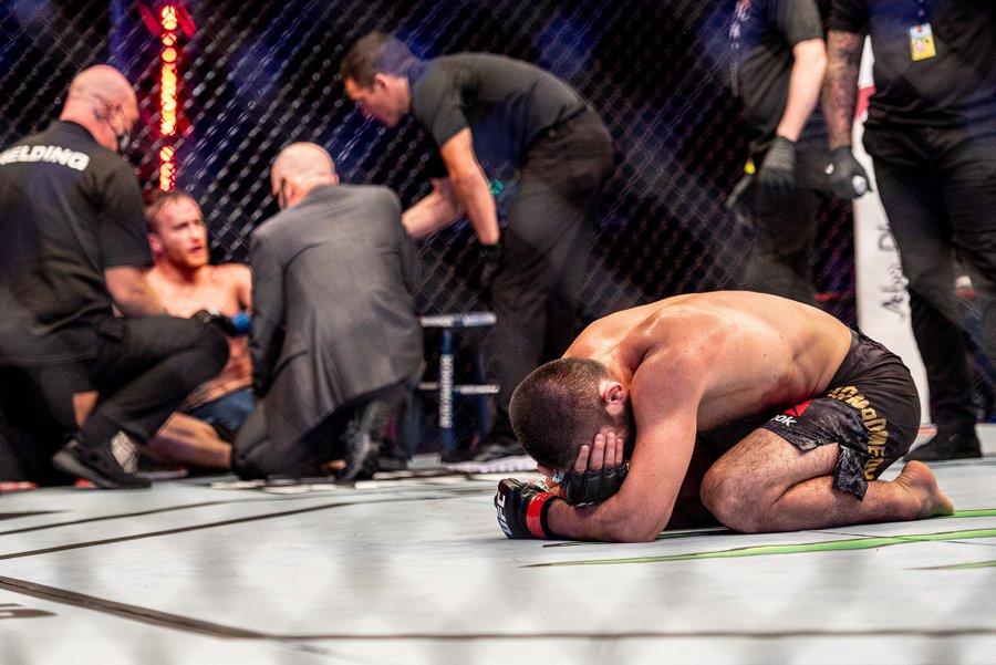 """Khabib Nurmagomedov se retrage din UFC: """"Nu pot să lupt fără tata!"""". Sursă foto: goal.com"""