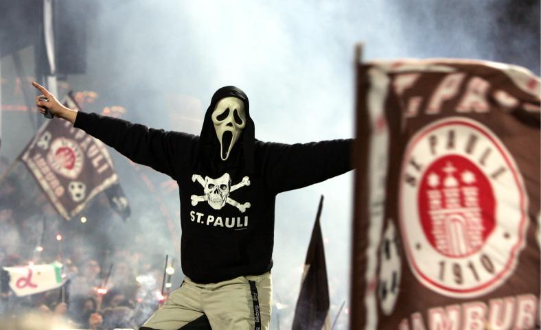 Fan al lui St. Pauli. Sursă foto: goal.com