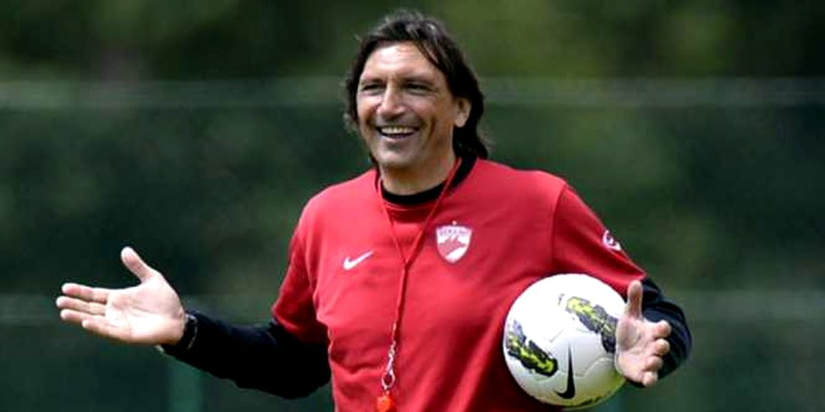Cum s-a schimbat lumea de când Dario Bonetti era la Dinamo. Iphone 5 era la modă. Sursă foto: digisport.ro