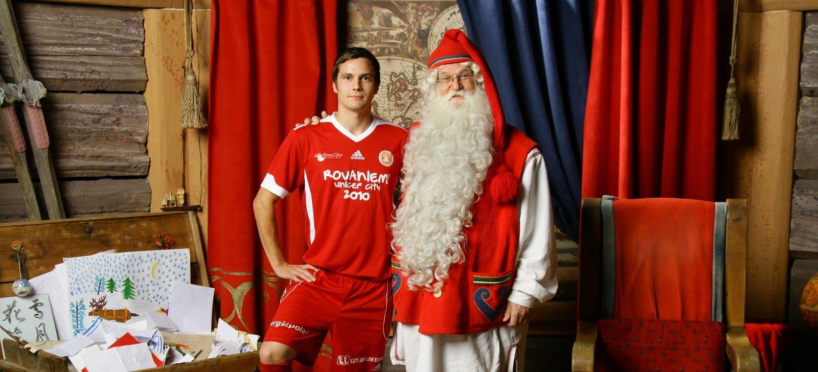 Echipa de fotbal a lui Moș Crăciun! Chinezii au salvat-o de la faliment. Sursă foto: bbc.com